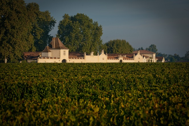 Château Rauzan Ségla seen from one of its vineyard plots. Today the estate comprises 66 hectares of vines, of which  60% is planted with Cabernet-Sauvignon, the rest being made up of 35% Merlot, 3.5% Petit Verdot, and 1.5% Cabernet Franc.